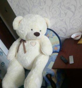 Новый Большой плюшевый медведь.