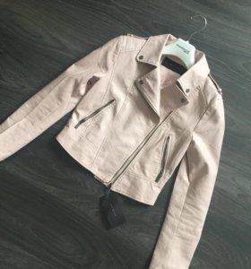 Новая куртка S