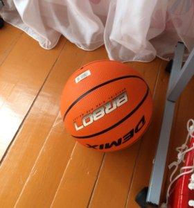 Мяч и кольцо баскетбольное