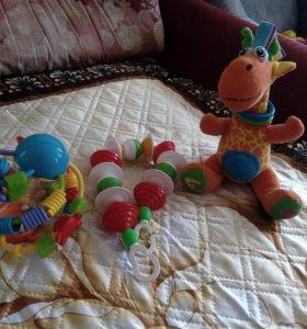 Детские игрушки и мобиль