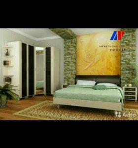 Кровать и 2 тумбочки