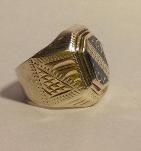 Перстень серебряный размер 18