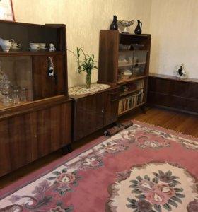 Жилая чехослов мебель сервант книжн шкаф бельевой