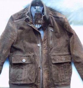 Кожаная куртка из замши