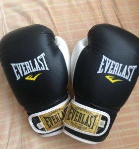 Перчатки боксёрские и лапы