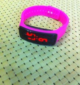 Новые часы на руку