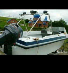 Лодка актавия