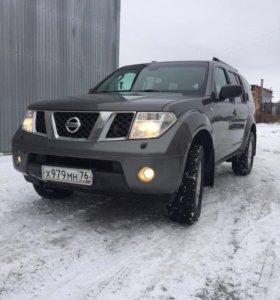 Nissan Pathfinder ||| 2.5 АТ (174л.с)4WD 2007 год
