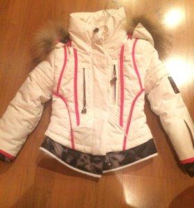 Продам куртку 116 рост зимняя для девочки