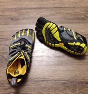 Обувь Vibram Fivefingers Treksport Sandal