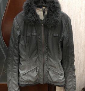 Утеплённая демисезонная куртка