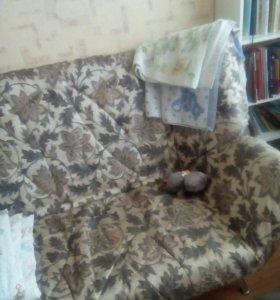 Диван, две кровати, детский уголок