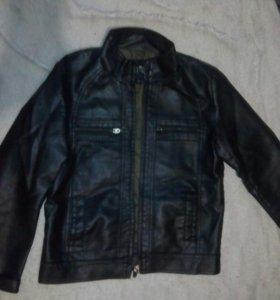 Куртка на мальчика 9-11 лет