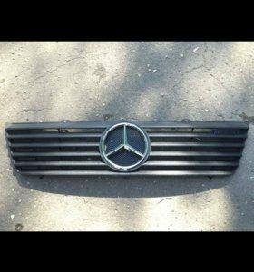 Решетка радиатора на Mercedes sprinter