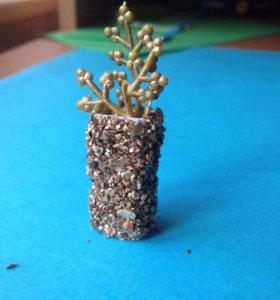 Миниатюрная ваза для кукол