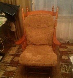 Кресло-качалка из массива дерева