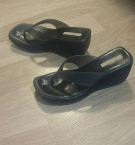 Сланцы на каблуке