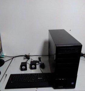 Cистемный блок c клавиатурой, мышкой и колонками