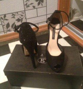 Туфли замшевые со стразами