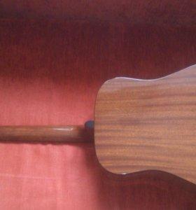 12-и струнная гитара Martinez