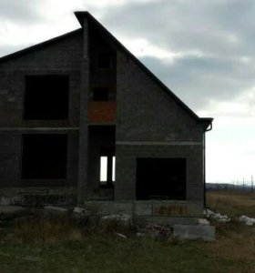 Недостроенный дом на 15 сотках, (