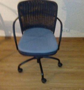 Кресло вращающееся икеа