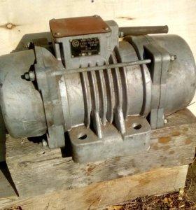 Электровибратор площадочный