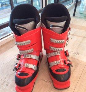 Горные лыжи, ботинки и палки. Срочно!!!