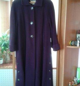 Продам пальто 48 50