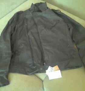 Продам новую фирменную мужскую куртку кожзам