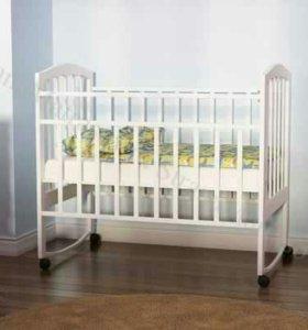 Кроватка для новорожденного с матрасом