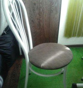 Продаю 4 стула