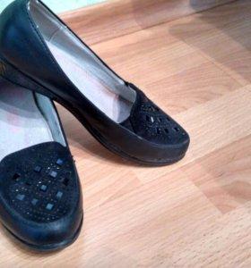 Туфли для девочки( торг)