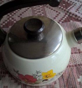 Чайник новый эмалированный