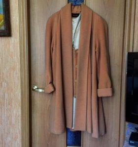 Пальто шикарное ,очень красивое💓