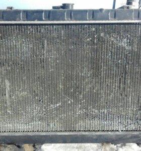 Радиатор ниссан