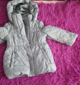 Демисезонное пальто на девочку.Рост 98.