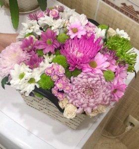 Цветы в коробках, корзинах