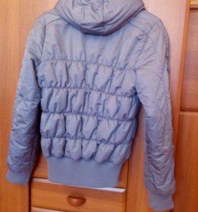 Курточка Adidas.