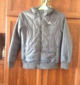 Куртка демисезонная на мальчика подростка.