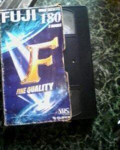 видео кассеты vhs с рабочим плеером  100 шт