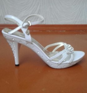Босоножки на выпускной или свадьбу