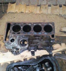 Блок двигателя,и голова блока цилиндров ваз21053