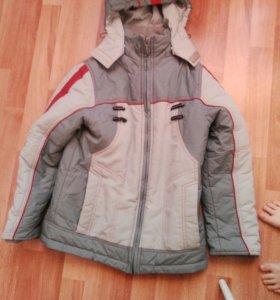 Куртка на мальчика 8-9 лет.