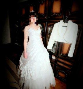 Свадебное платье + комплект