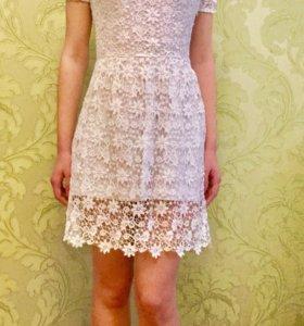 Белое ажурное платье Ostin
