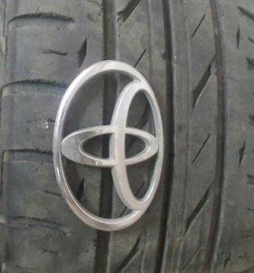 Шильдик Toyota