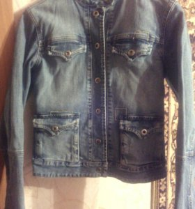 Куртка джинсовая в хорошем состоянии