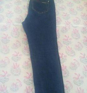 Продаю джинсы в хорошем состоянии