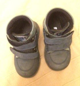Детские ботиночки на весну